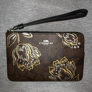 Coach Top Corner Zip Wristlet